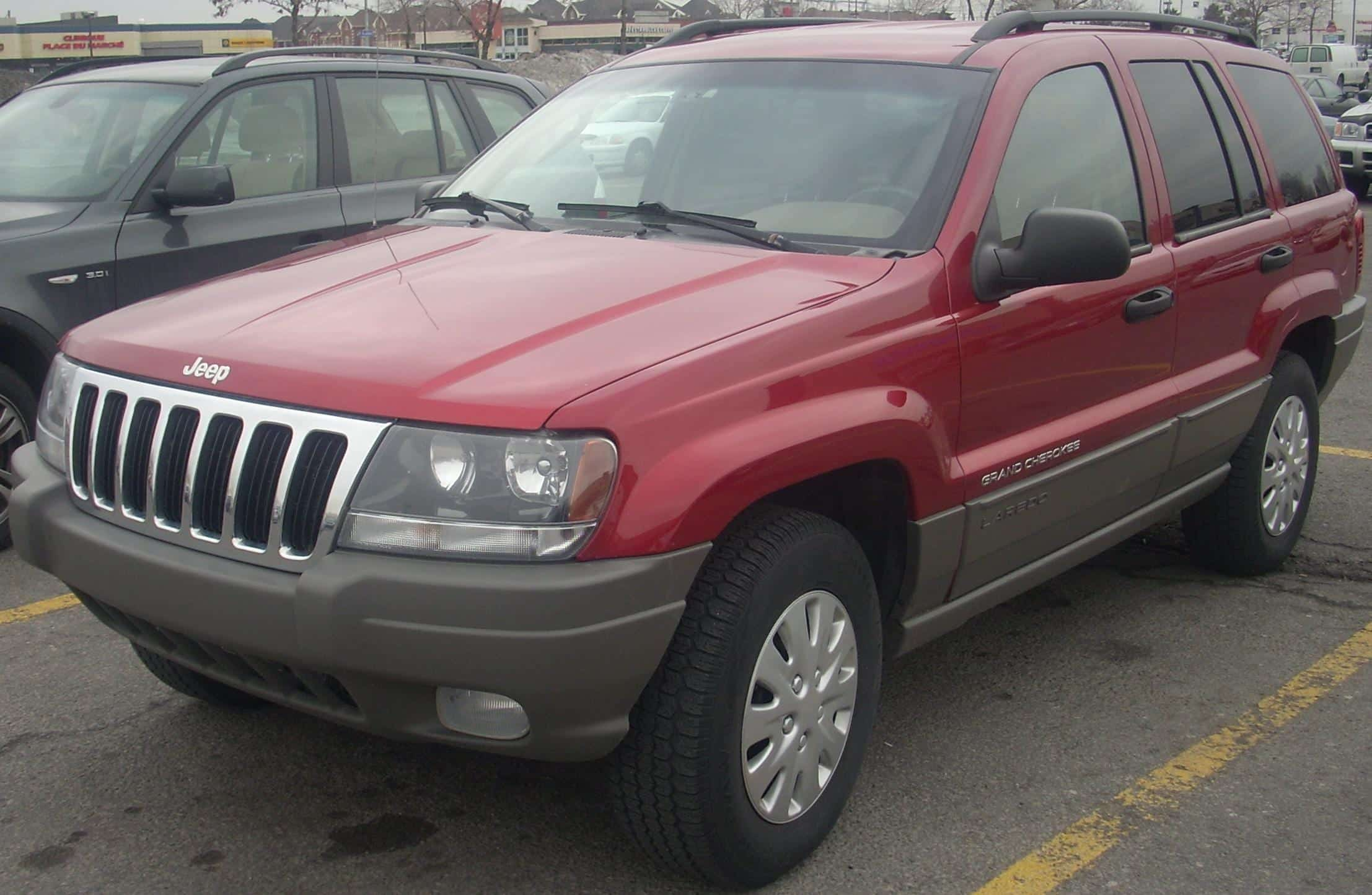 1999 - 2003 Jeep Grand Cherokee; photo by Bull-Doser (Own work), Public domain, via Wikimedia Commons.