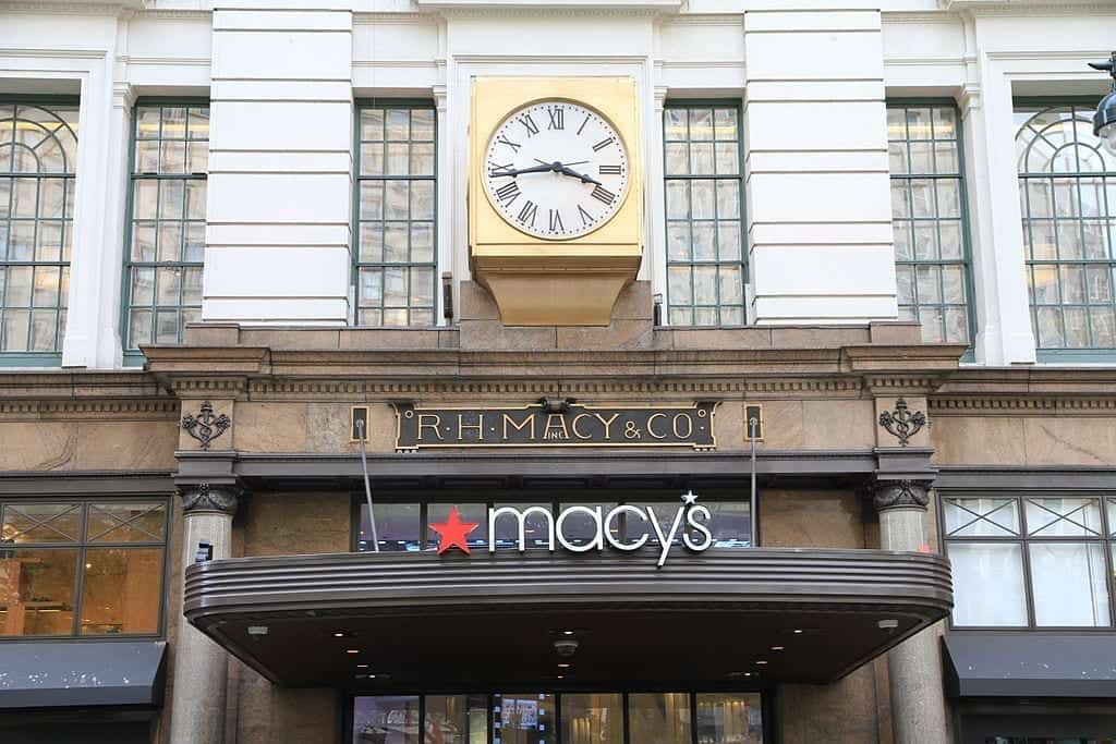 Image of a Macy's Storefront