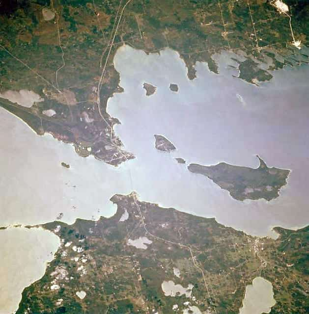 Image of an Overhead view of the Straits of Mackinac