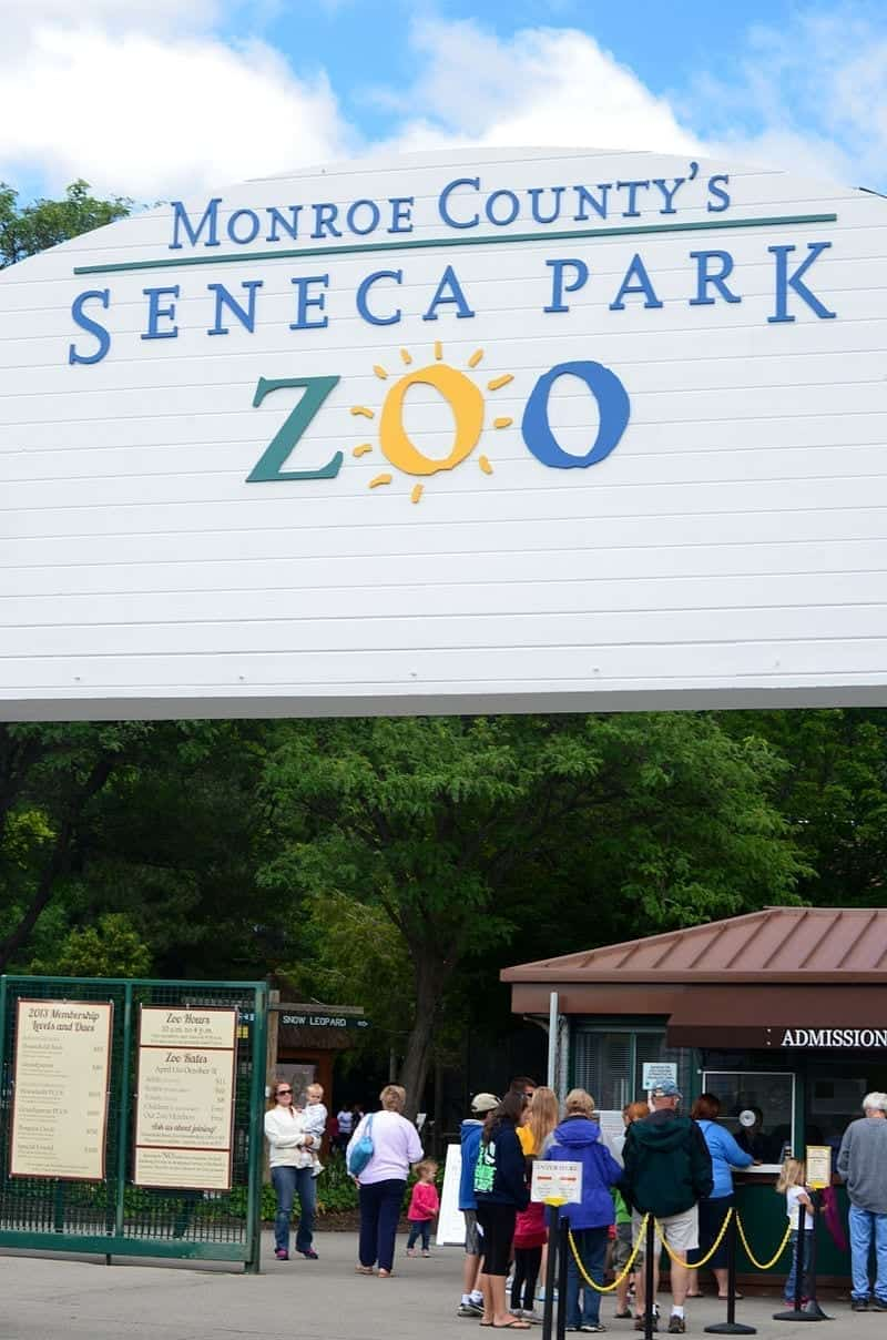 Image of the Seneca Park Zoo Entrance