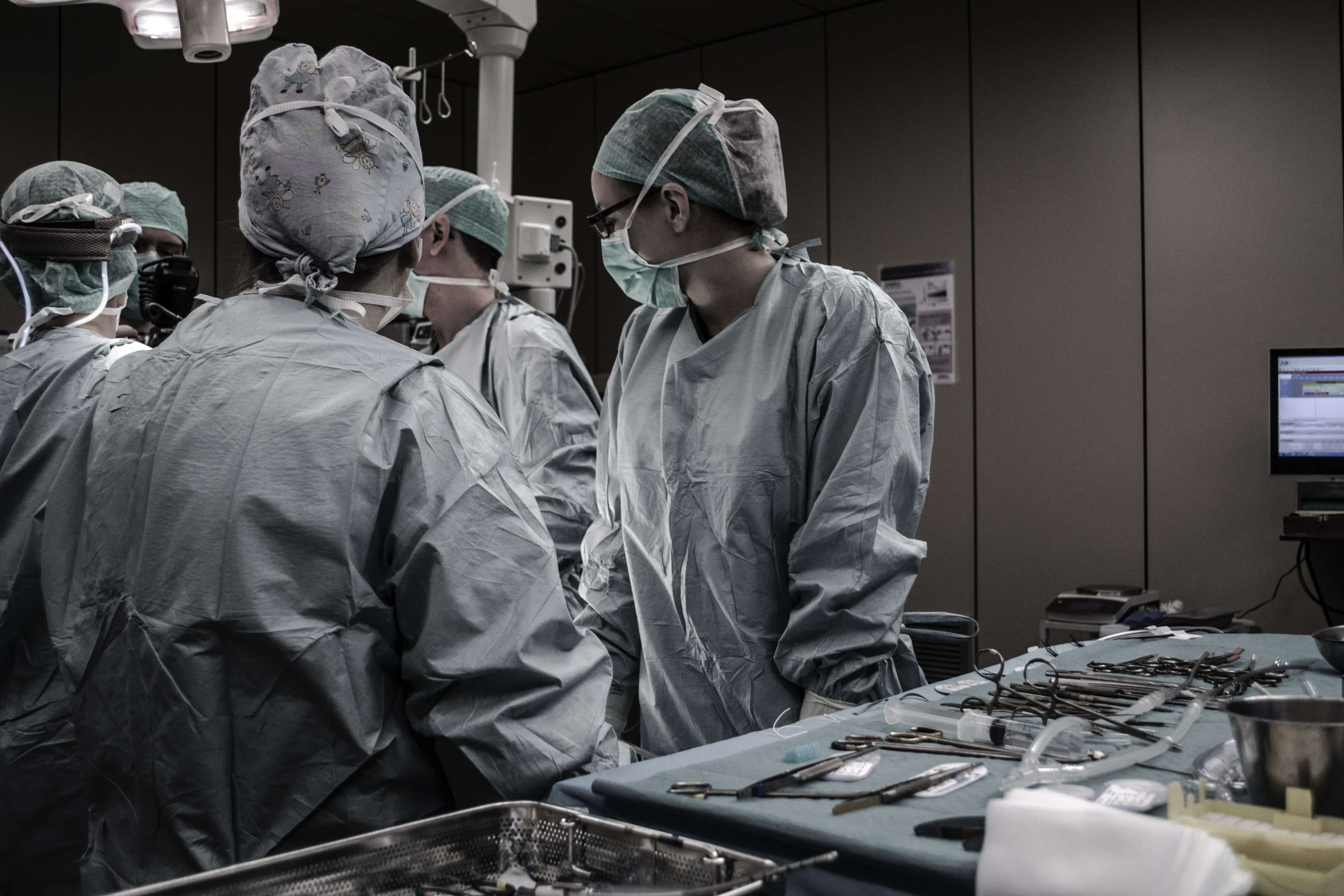 Medical professionals working; image by Piron Guillaume, via Unsplash.com.